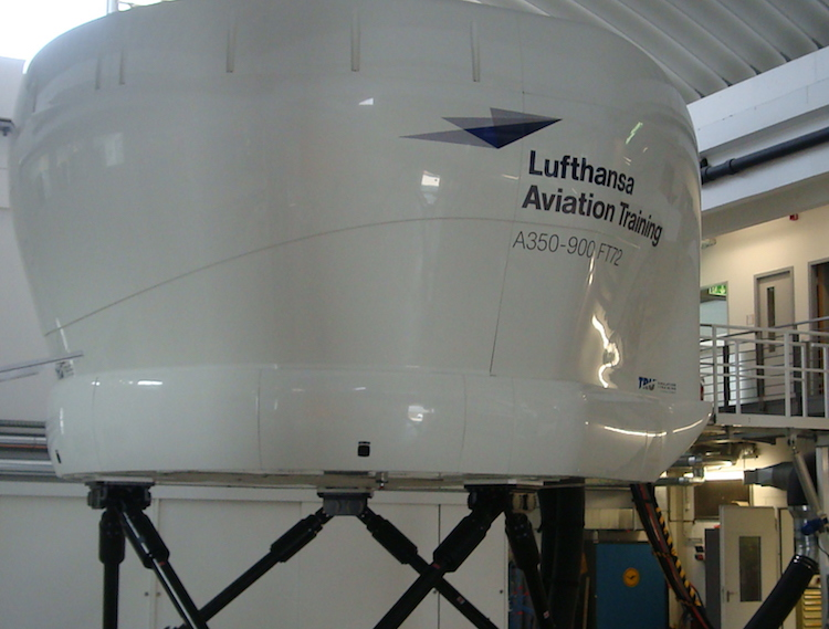 Airbus A350 Lufthansa Full Flight Simulator